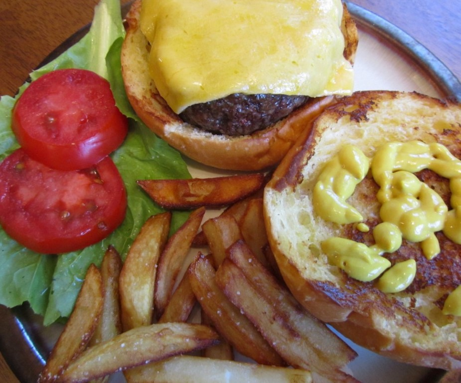 Cheeseburger & Fries