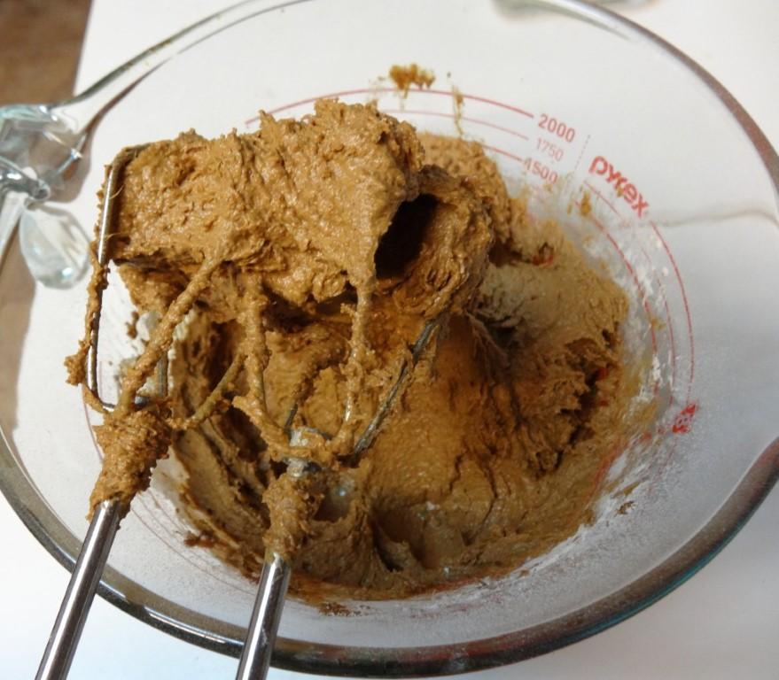 Adding the flour mixtur